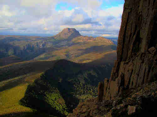 800px_cradle_mountain_seen_from_barn_bluff.jpg - 10.42 kB